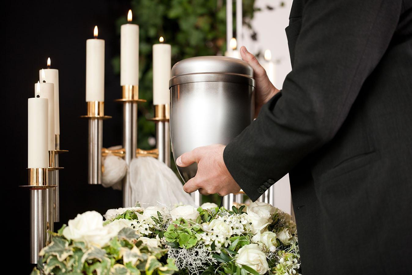 CremationUrn