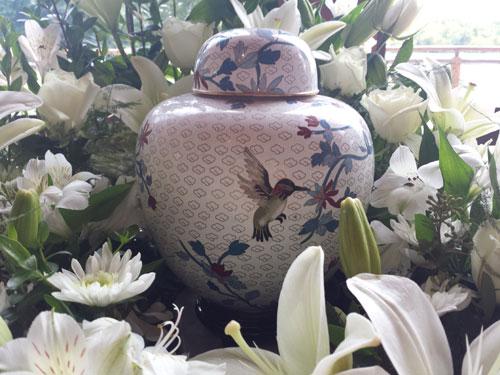 hummingbird urn wreath