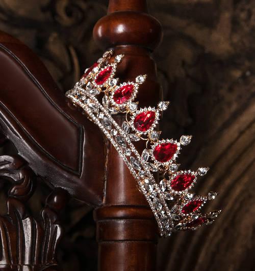 garnet crown