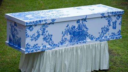 happy coffin